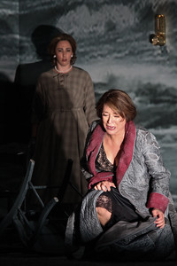 L to R: Stephanie Foley Davis as Mary McCarthy and Patricia Schuman as Carlotta Monterey in The Glimmerglass Festival's world-premiere production of A Blizzard On Marblehead Neck. Photo: William Brown.