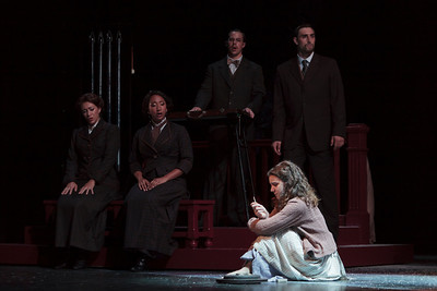L to R: Julia Mintzer, Lisa Williamson, Michael Porter, Victoria Munro and Christian Zaremba in The Glimmerglass Festival's 2013 production of David Lang's the little match girl passion. Photo: Jamie Kraus/The Glimmerglass Festival.